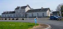 La gare de La Flèche. Autrefois la micheline emmenait les flèchois au Mans avec de nombreux arrêts sur le parcours en 50 minutes et en toute sécurité.